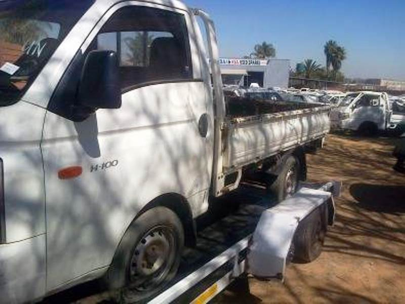 Hyundai H100 bakkies to purchase dead or alive!