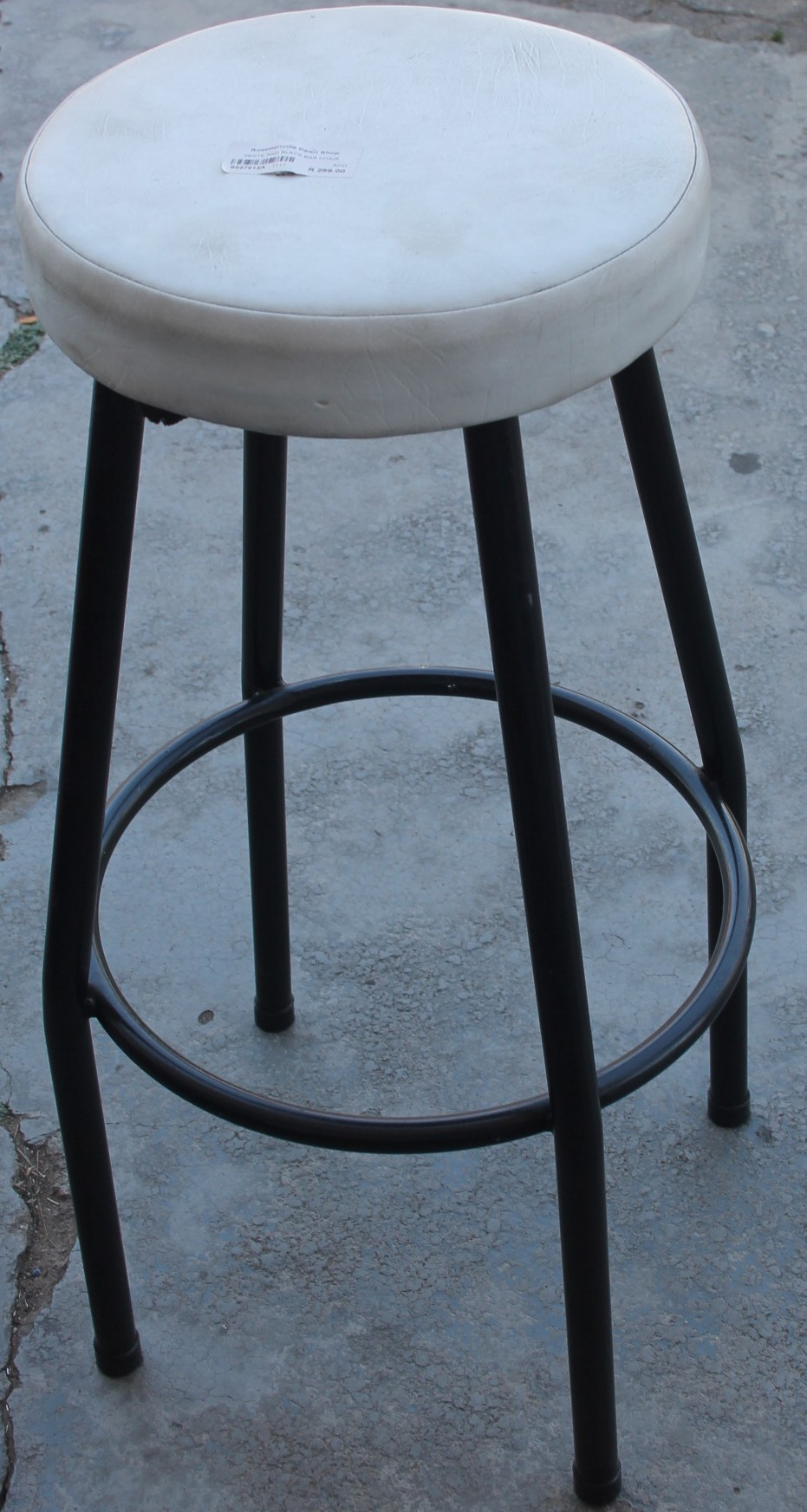 Black and white bar chair S027012a #Rosettenvillepawnshop
