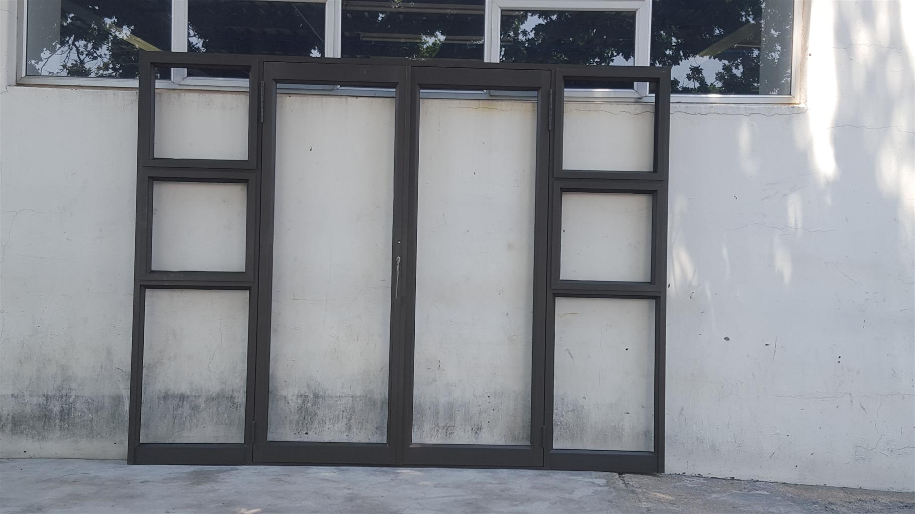 Double Aluminium Manufacturers Mail: ALUMINIUM BRONZE DOUBLE DOOR WITH TWO SIDELIGHTS