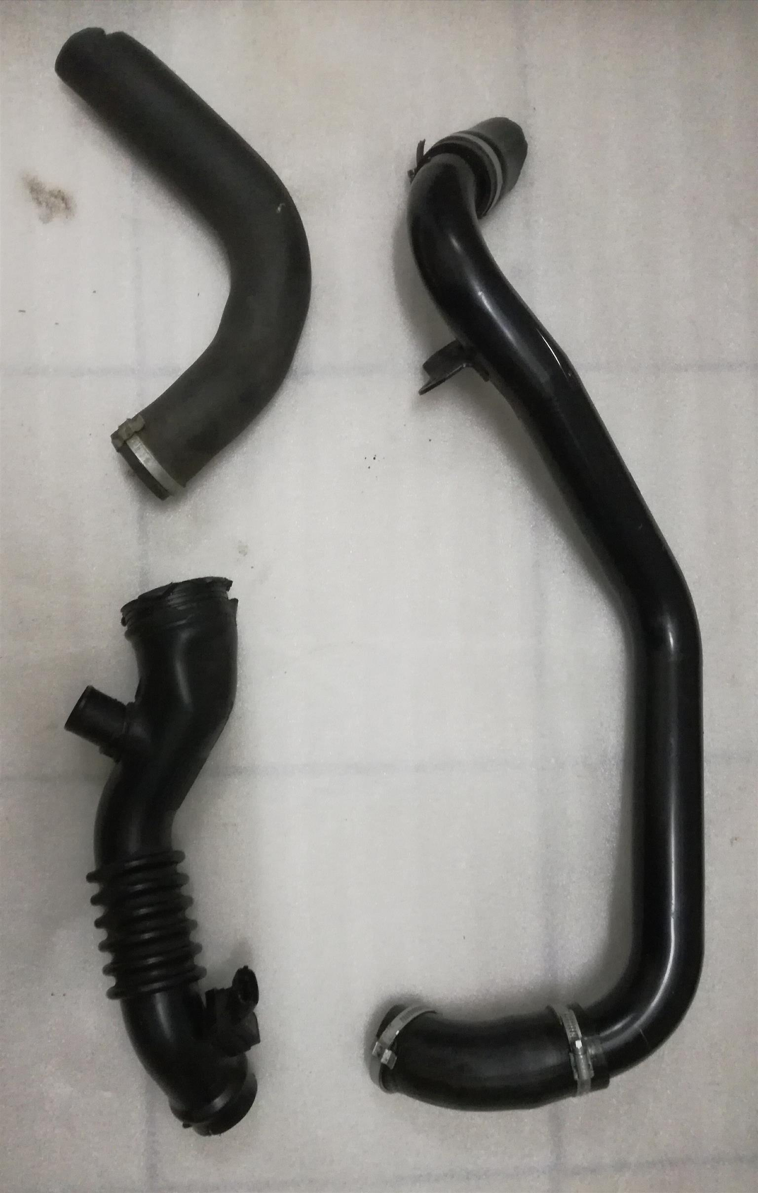 Ford Focus ST 2009 Intercooler pipes and the pipe with sensor