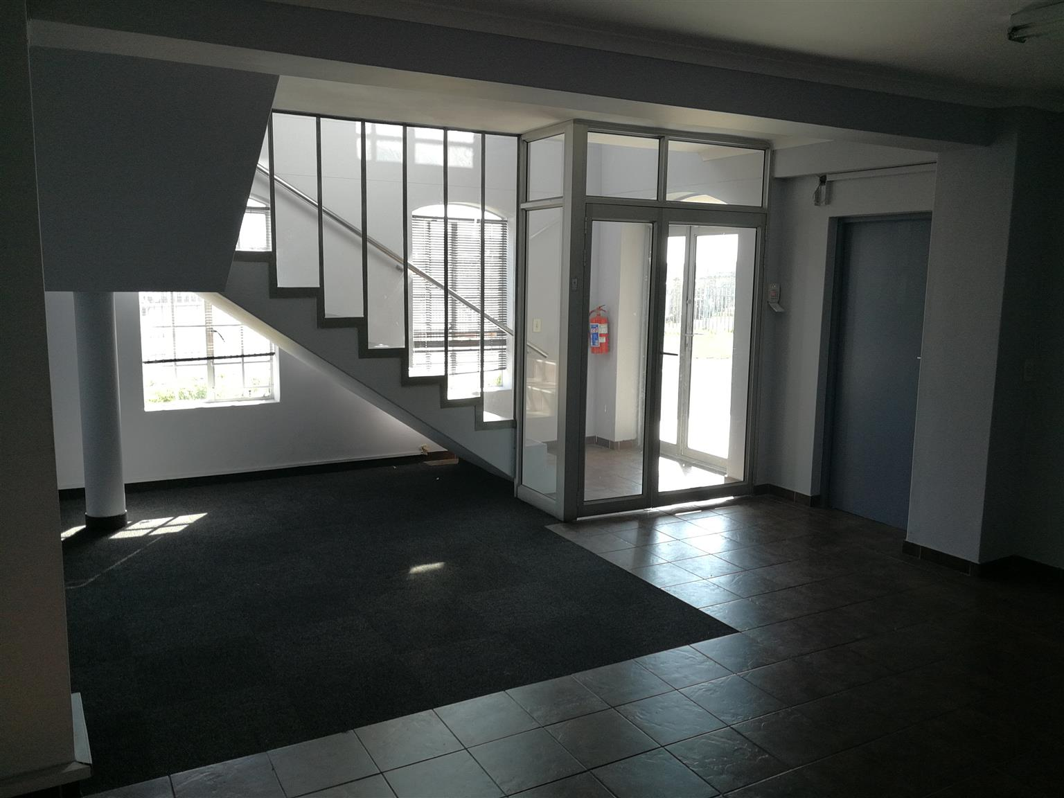 Commercial Office - 350m² - TO LET