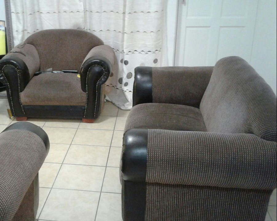Second Hand Couches For R600