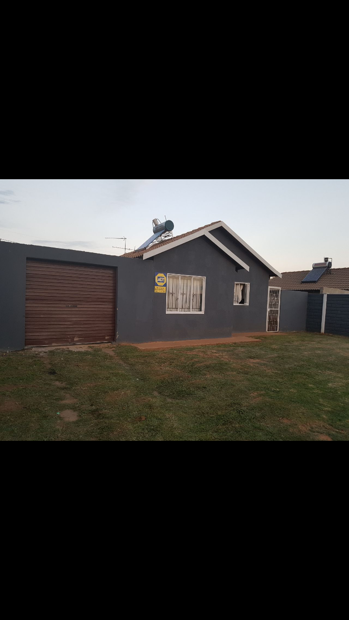 House for rent in lenasia South ext 4