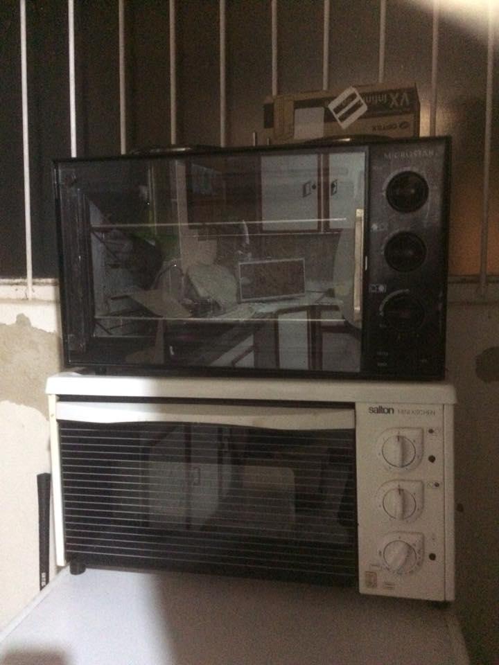 Salton en swart microwave