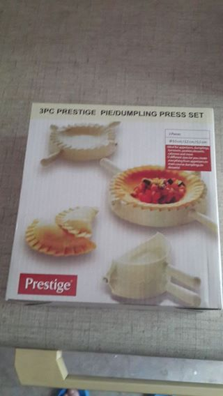 1 x Prestige 3pce pie/dumpling press set