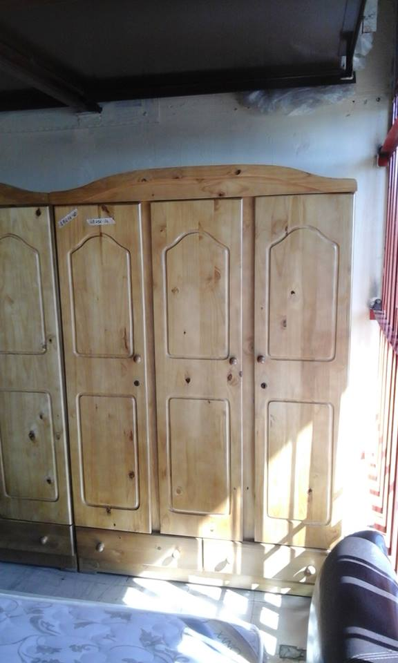Light wooden 3 door closet