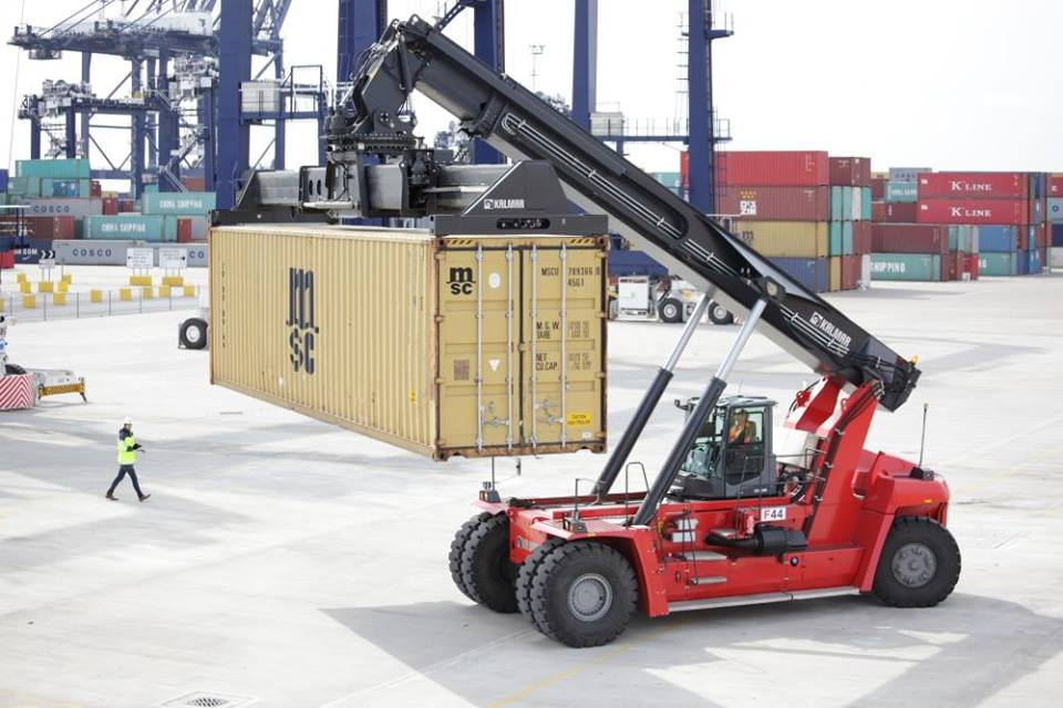 Container lifter, mobile crane,tower crane, grader ,lhd scoop,super link  training call 0736731478/0110498922