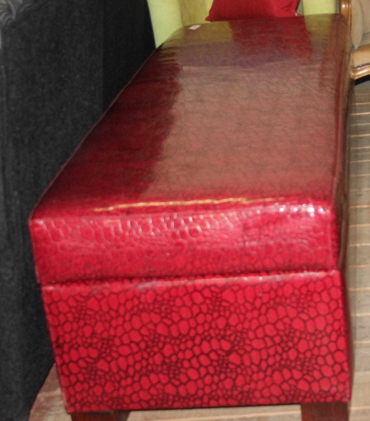 Red kist s028077a #Rosettenvillepawnshop