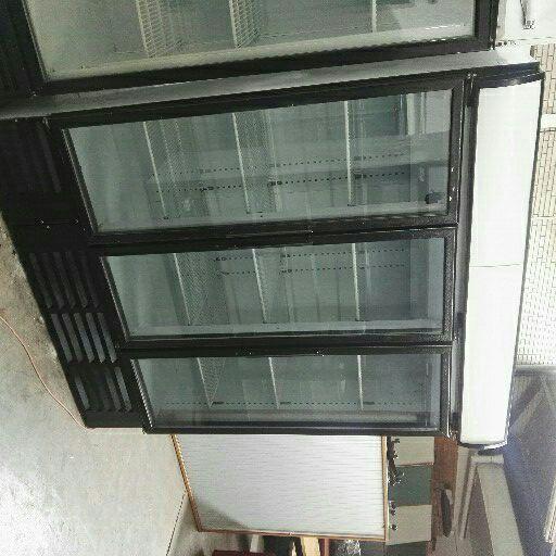 Triple doors display fridge 100%