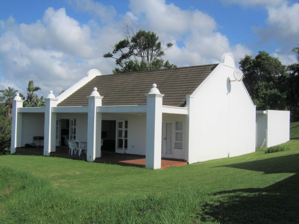 3 Bedroom Townhouse in an Exclusive Estate for sale in Port Edward