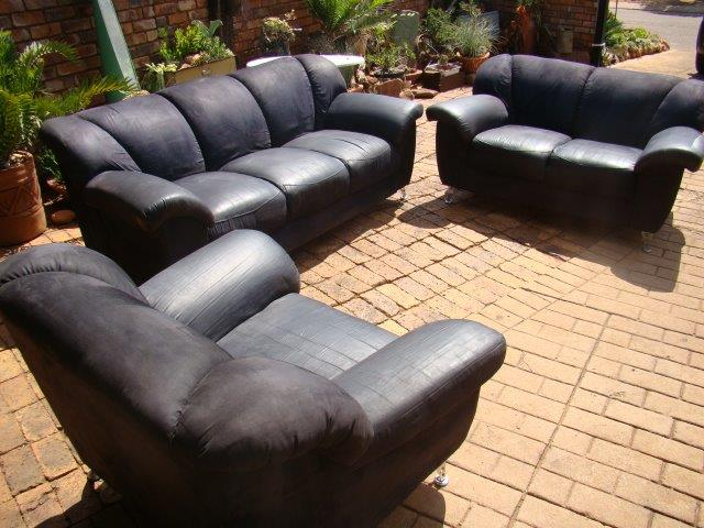 Lounge suite used  (Black Suede)  6 seater 1 x three seater,1x two seater and 1 x one seater