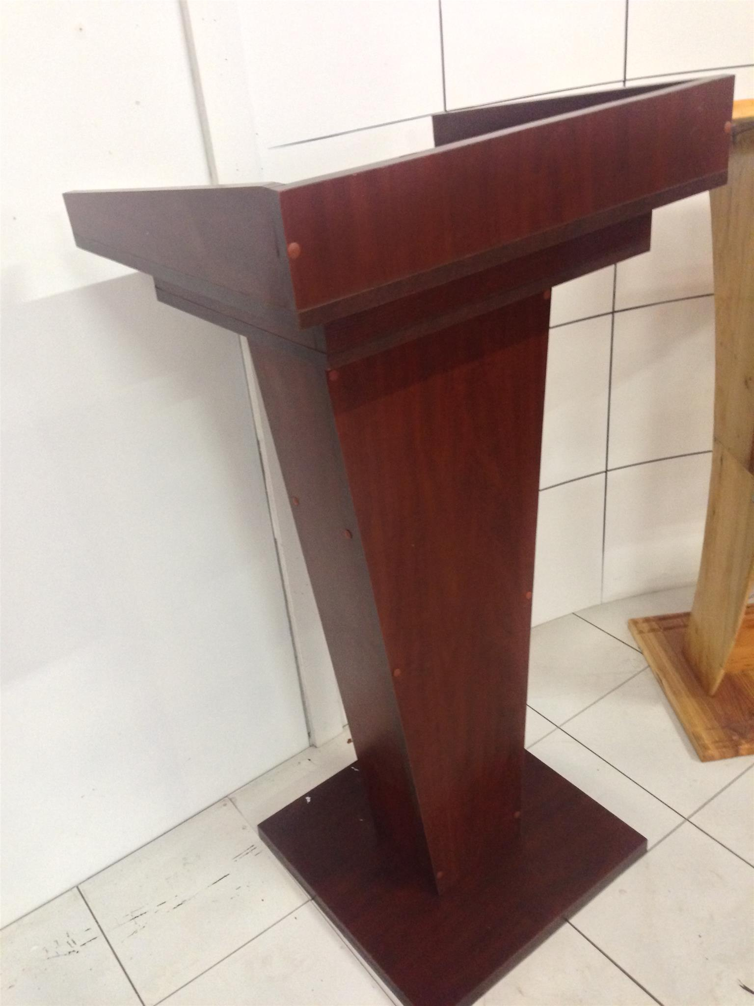 #PODIUMS# WELL CONSTRUCTED