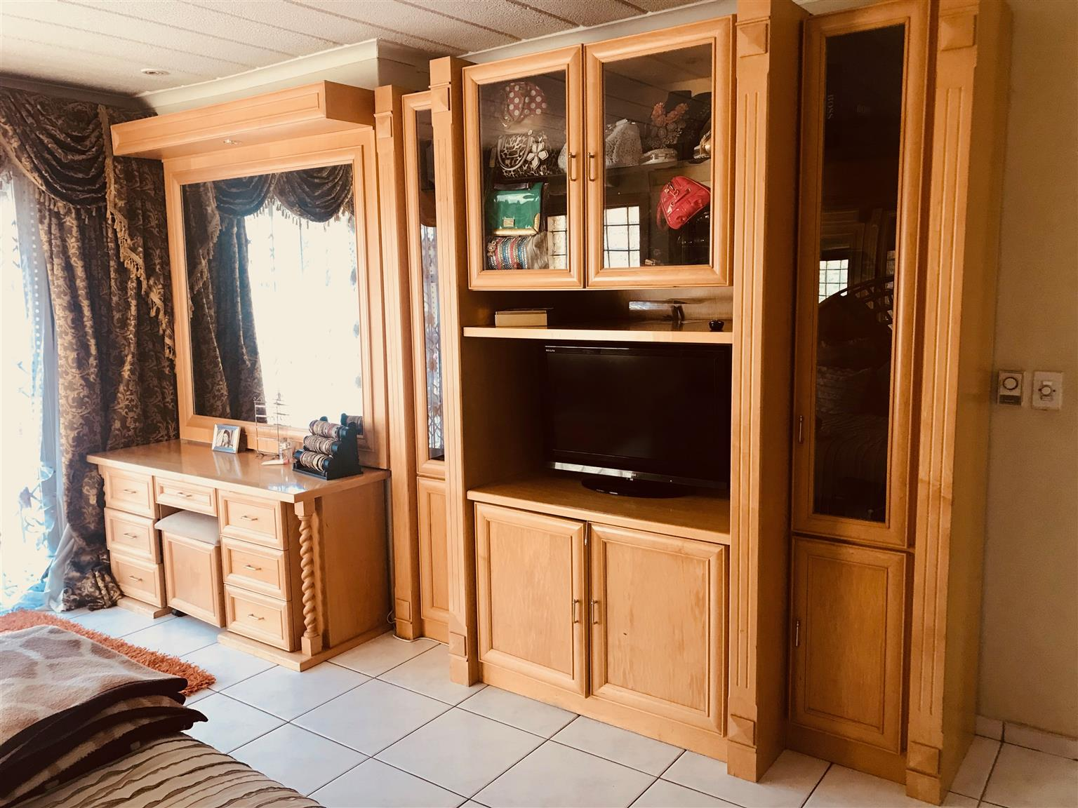 URGENT Full House Cupboards