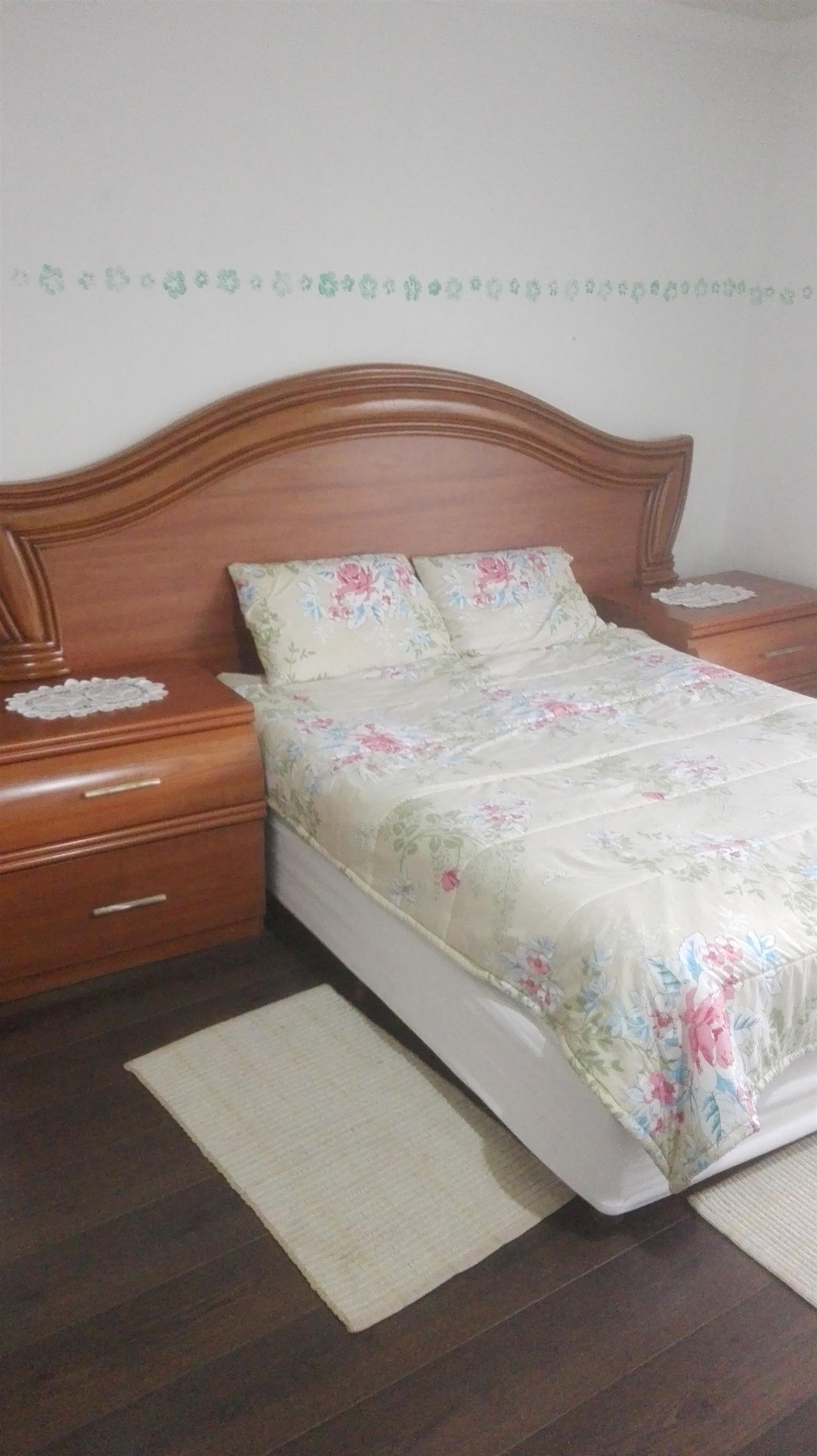 Bargain Cherrywood Bedroom Suite : Ex-Glicks