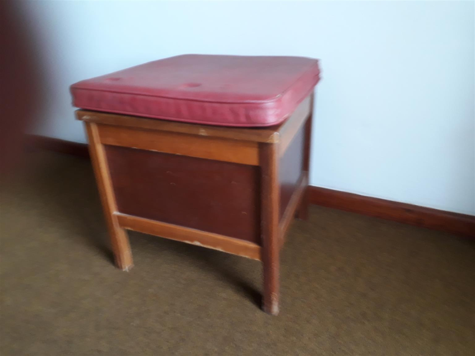 Commode in Excellent condition