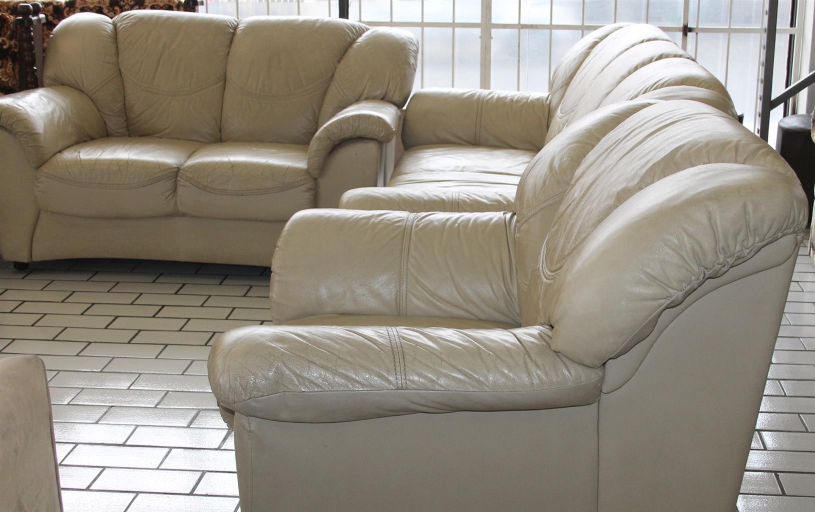 Leather lounge suite S028858a  #Rosettenvillepawnshop