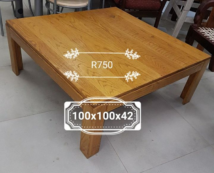Wooden coffee table 100x100x42