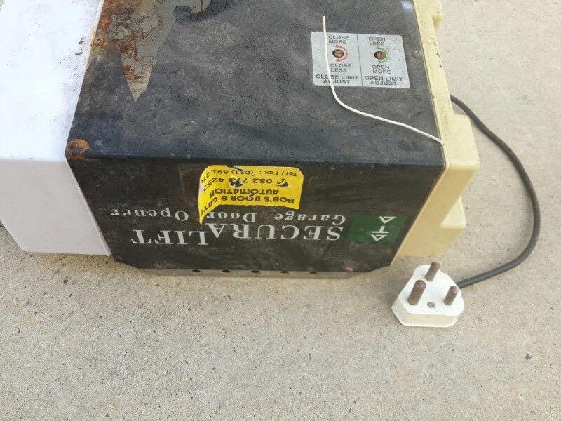 Garage door motor and rail in 2.1metre