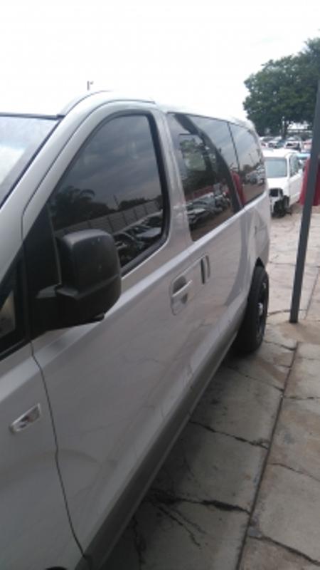 H1 Kombi 2.5 Crdi & 2.4 petrol for stripping of parts.