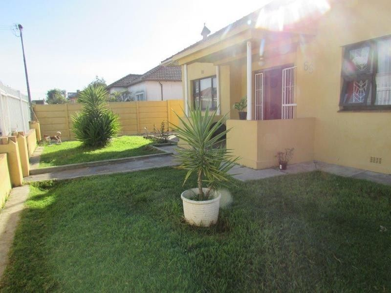Parow-West: Enclosed-Property, 3Bed+Flat,Parking 4CarDriveway/Double carport/Primary or High Schools