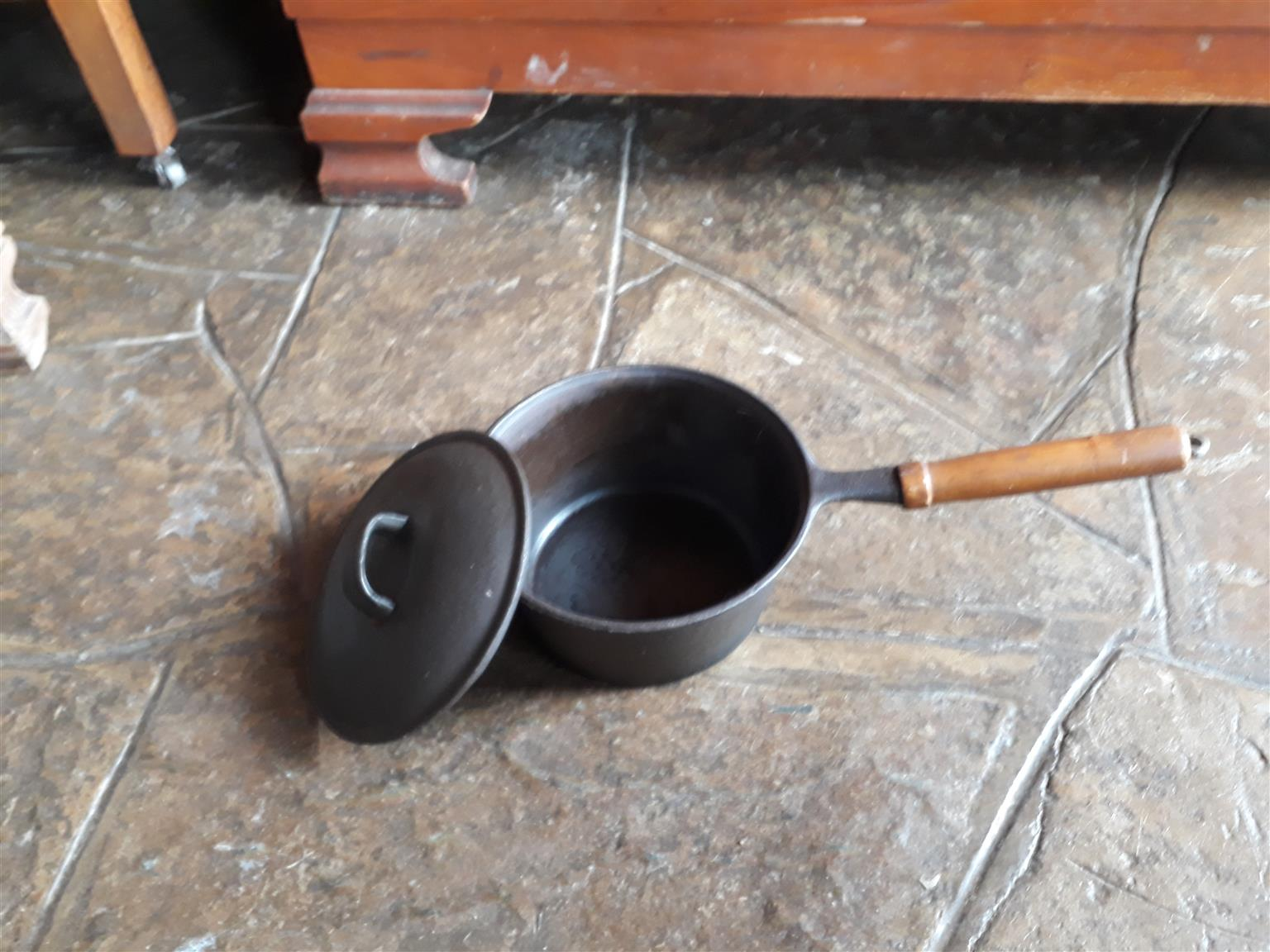 Small Cast Iron Pot - wooden handle