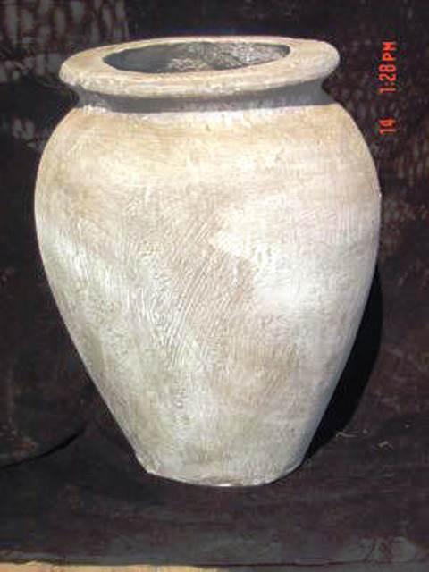 Spanish Vase Med No 1 7pc124 Junk Mail
