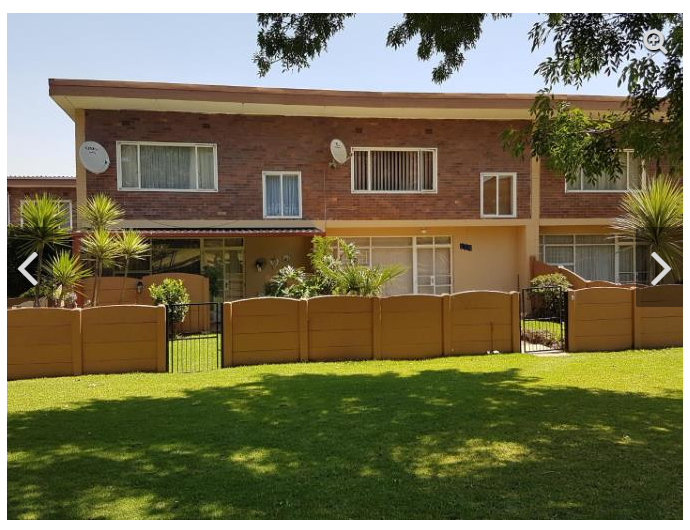 BOKSBURG, Witfield, Protea garden DUPLEX Townhouse, huge garden, PET friendly