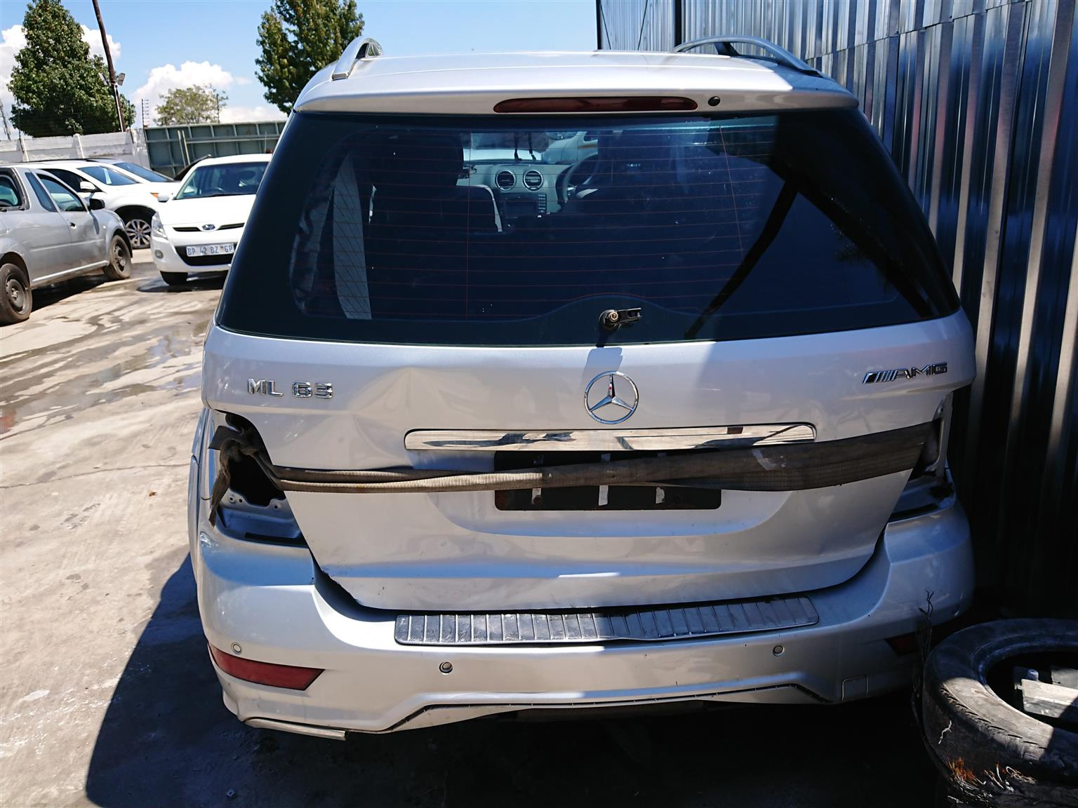 Mercedes ML63 - Stripping For Parts