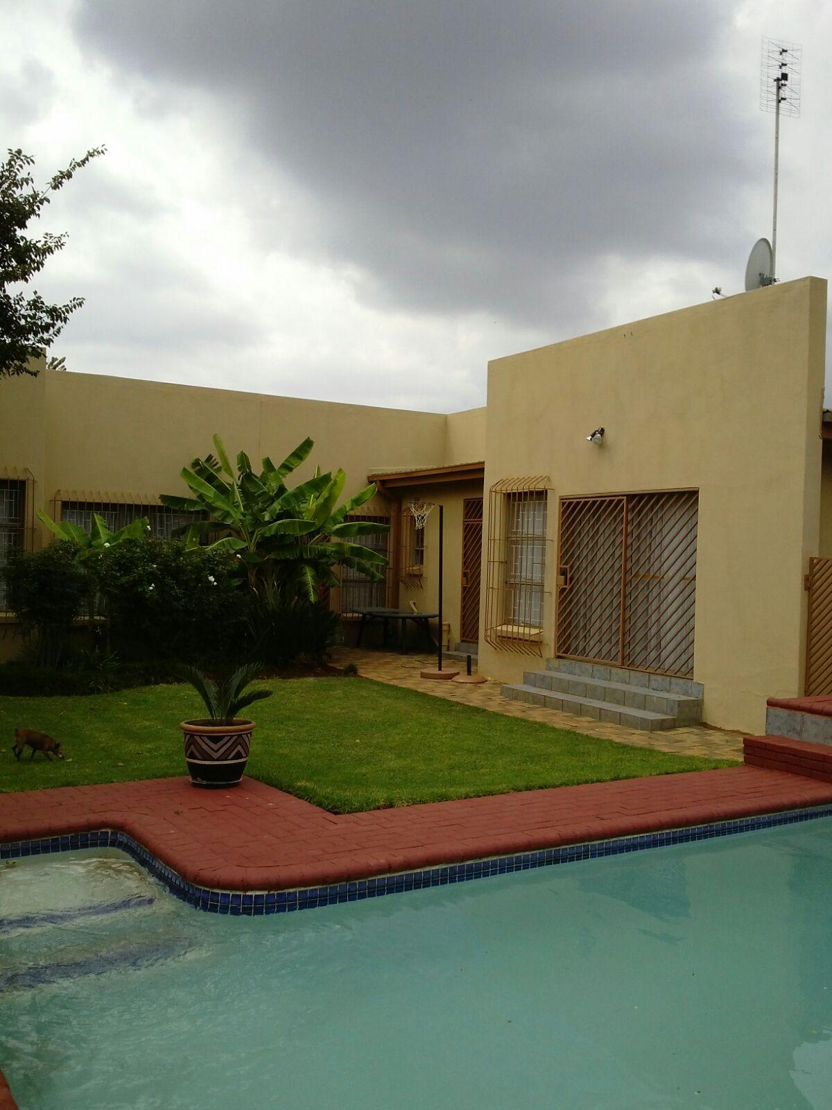 Modern 4 Bedroom house for sale in Stilfontein