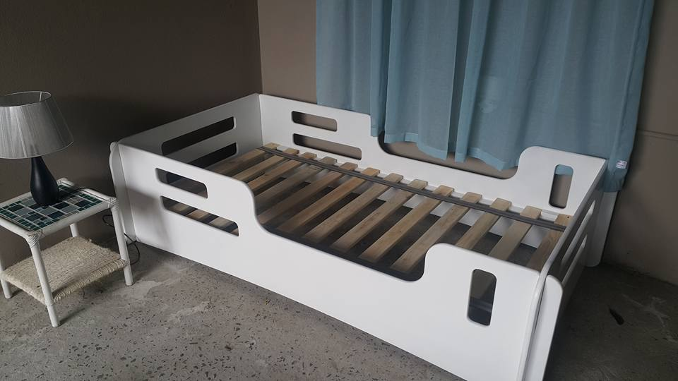Kids Flat pack Toddler Bed