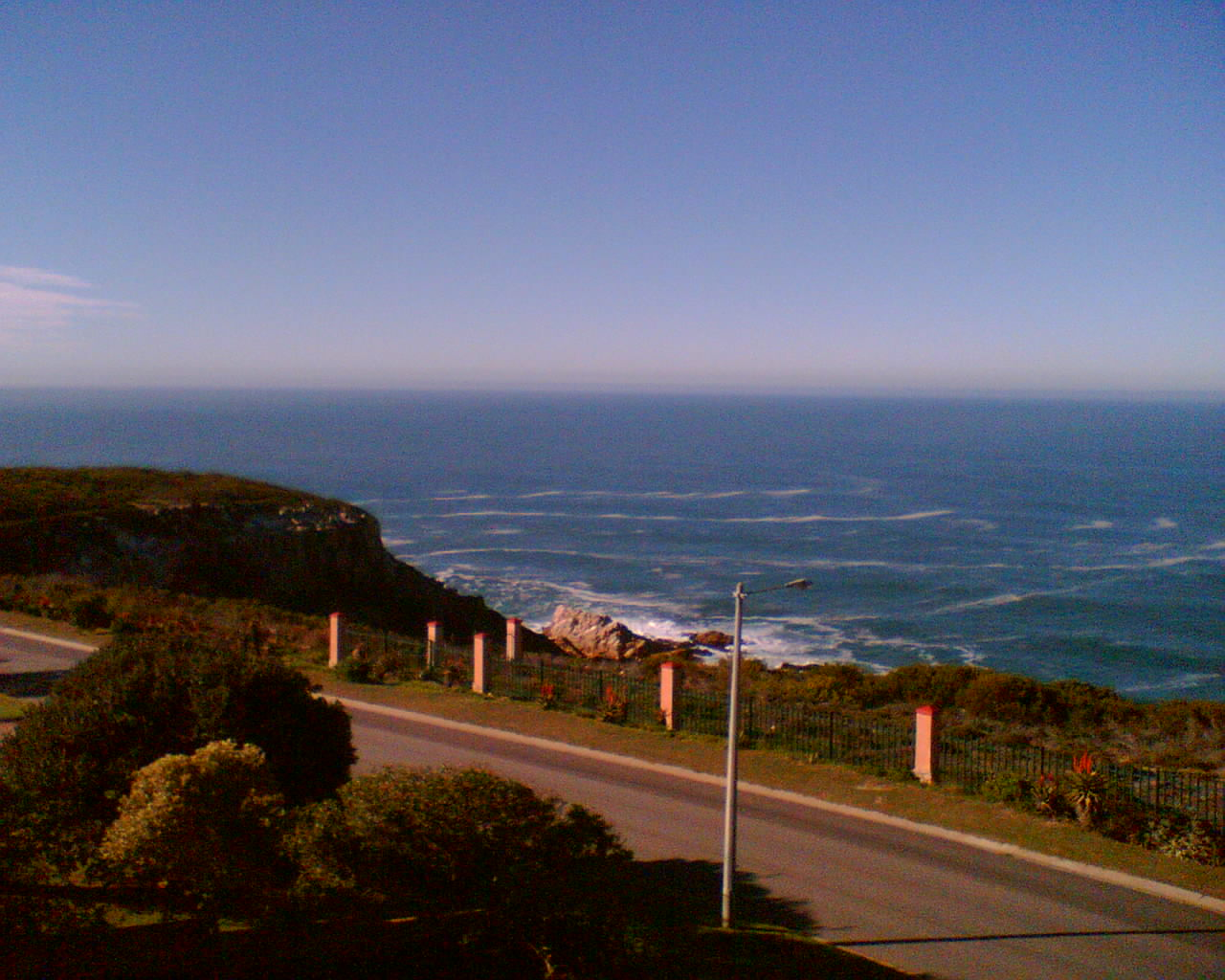 Panhandle stand for sale in Mossel Bay Town Close to schools and 30 meter from Golf estate with sea view.