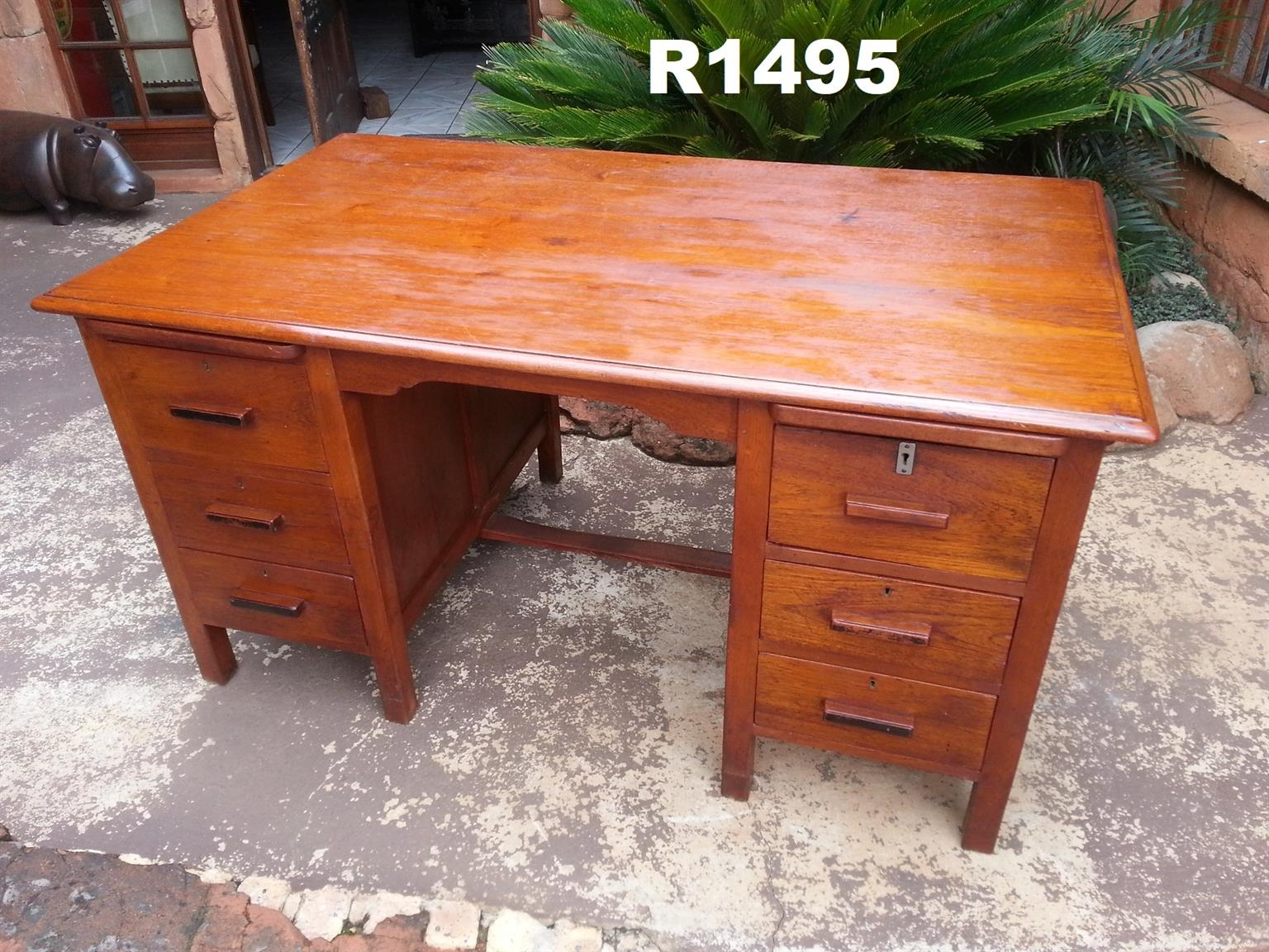 Burmese Teak Desk with 6 Drawers (1525x900x790)