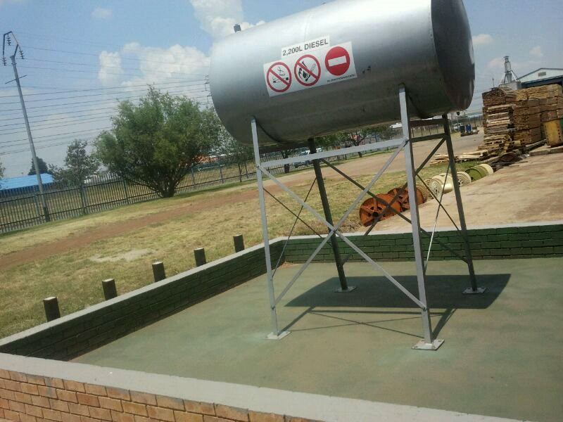 2200 L BTF DIESEL, OIL, PARRAFIN TANK / TANKS IN STOCK ON STANDS R6500 each