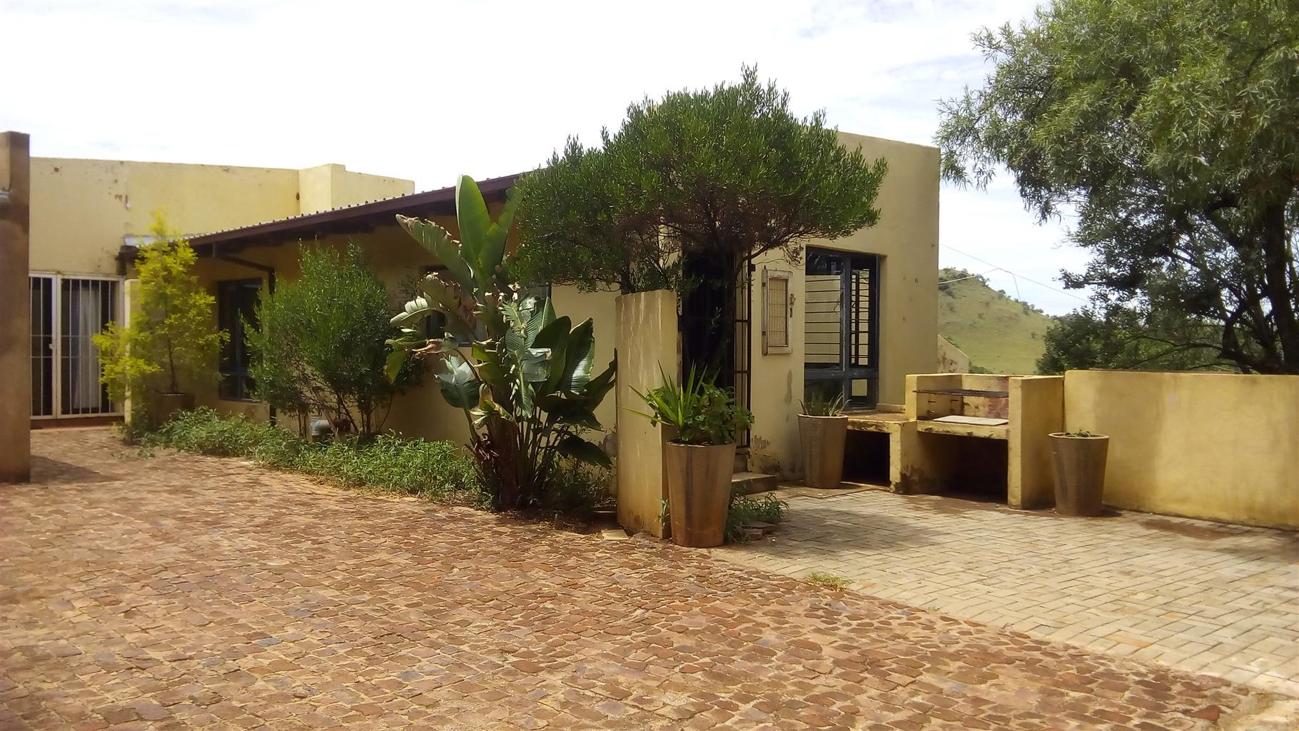 Flat to rent in Broederstroom, Harties