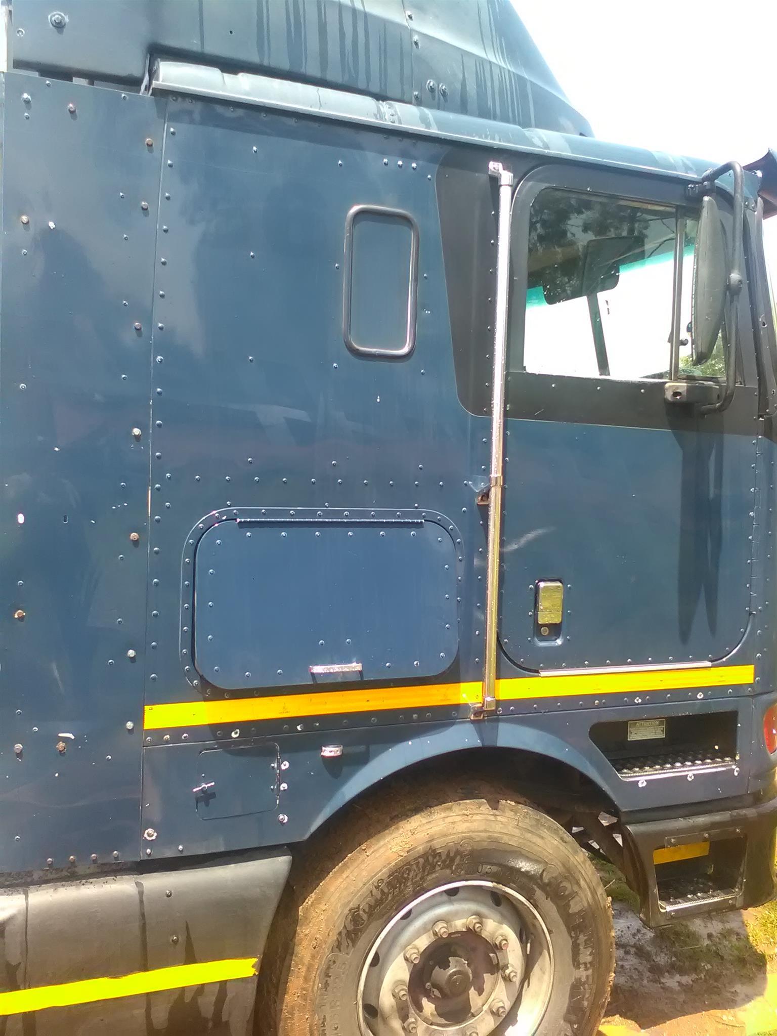 Genuine, road-worthy truck tractor on sale!