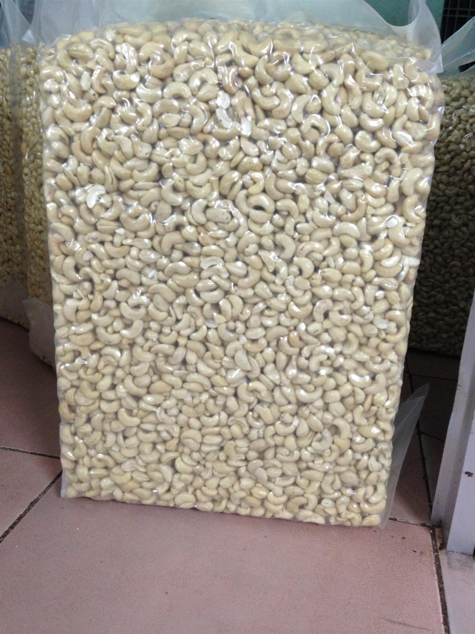 Cashew Nuts WW240, WW320,WW450 For sale