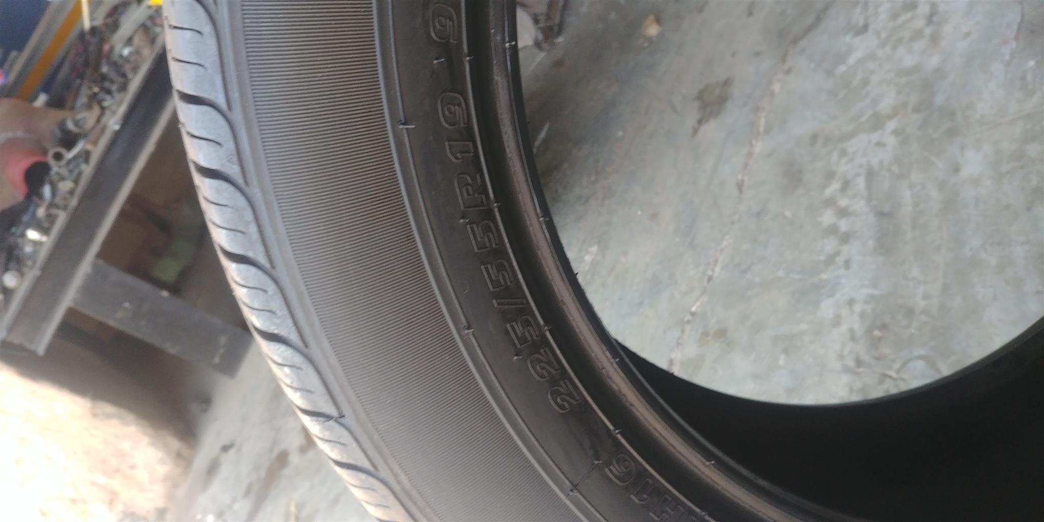 Tyres 225/55/19 Kumho