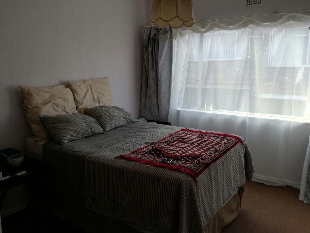 Beautiful & Cosy Bedroom Available in Windsor East - Randburg