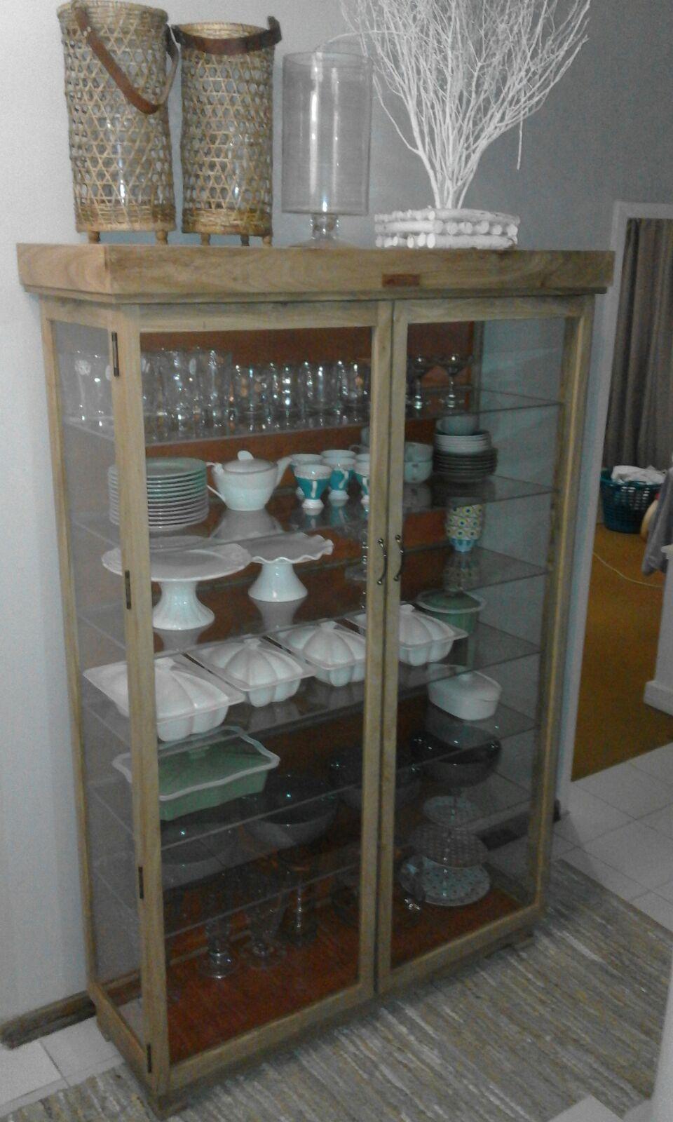 Hard Wood Furniture Beautiful Display Cabinets Custom Made