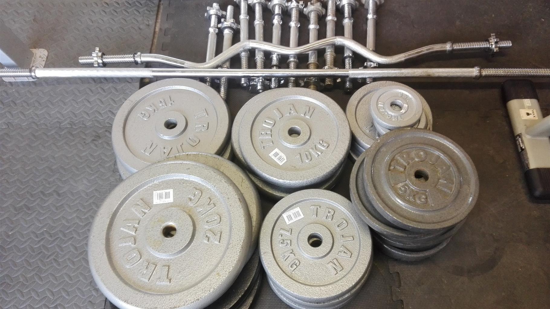 Weights R15 Per kg,Dumbells,Barbell R100 each