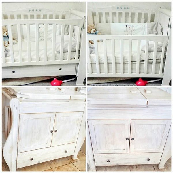 Solid Pinewood Cot, Bathing and Changing Drawer