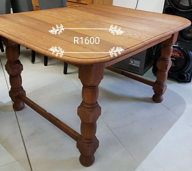 Wooden table with round edges