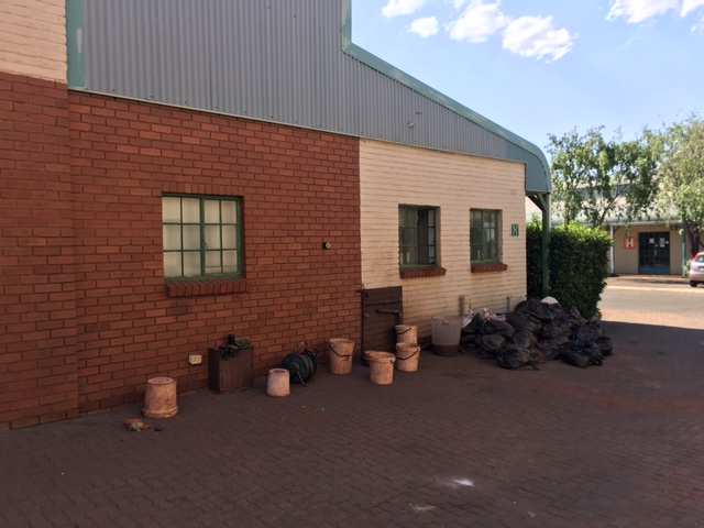 WAREHOUSE / FACTORY TO LET IN HENNOPSPARK!