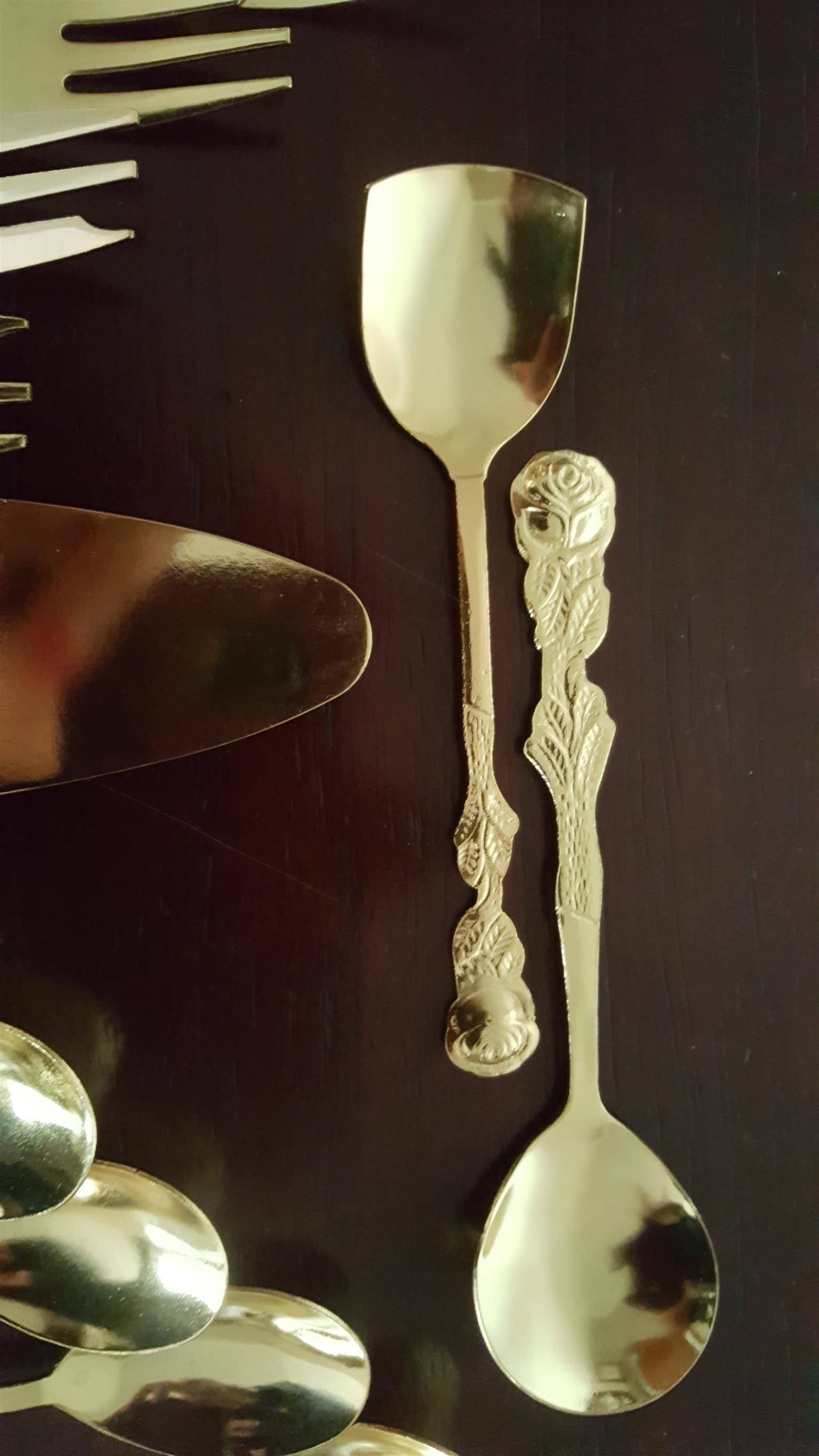 WANTED GOLD CUTLERY TEASPOONS AND CAKE FORKS EETRITE