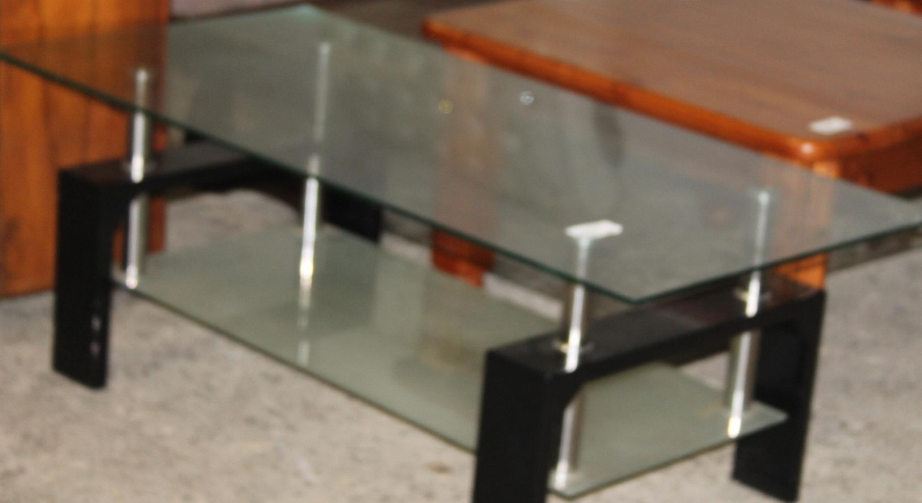 Glass coffee table S028092d  #Rosettenvillepawnshop