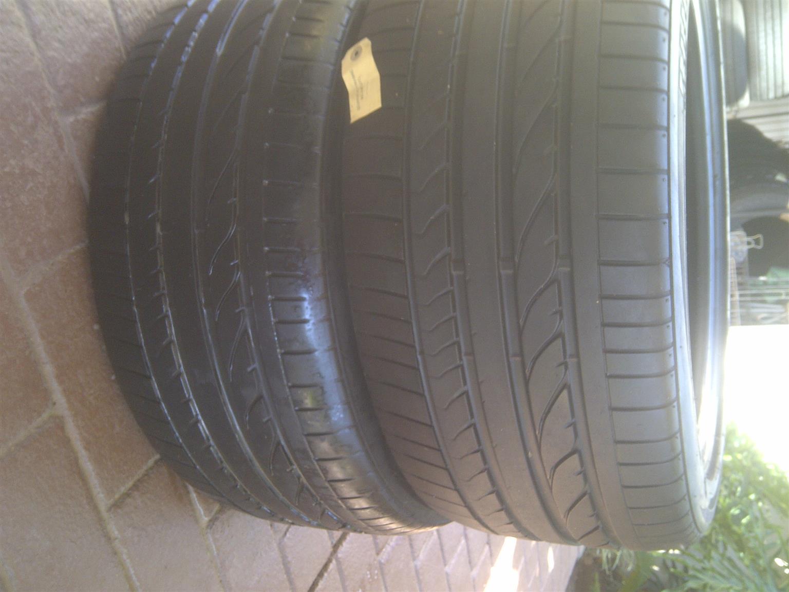 2xBMW X5 front tyres Bridgestone Dueler 275/40/20,close to 80% thread
