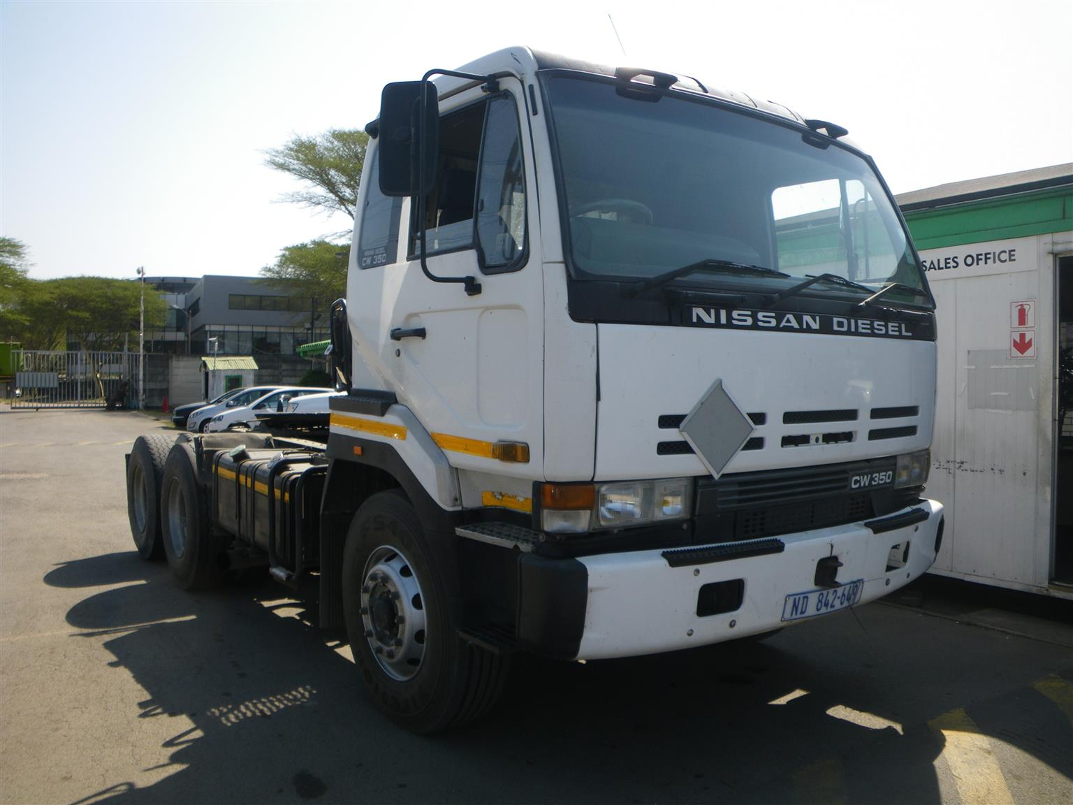 Nissan CW350 HTA Double diff truck tractor -  AA2477