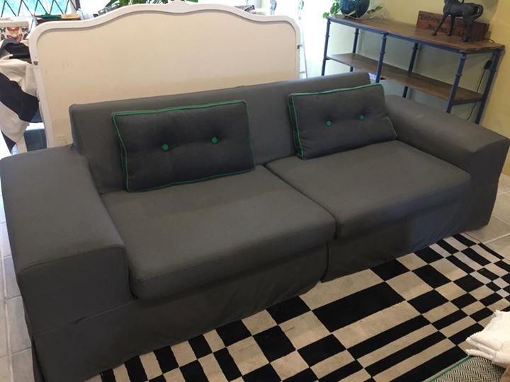 Dark grey couch in Hertex outdoor fabric.