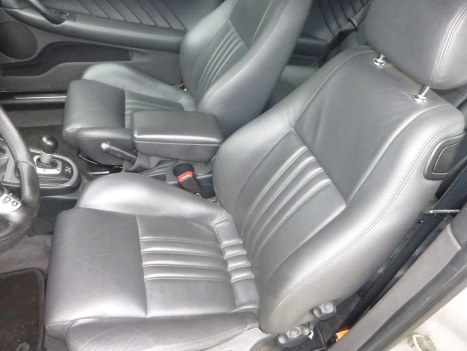 Alfa Romeo 147 Facelift Original leather seats in black.  It includes driver, passenger seat, rear seat and door panels. The seats are from a FOUR door model. R 4500.00 CONTACT 076 427 8509 Whatsapp 076 427 8509 Tel; 012 753 0656