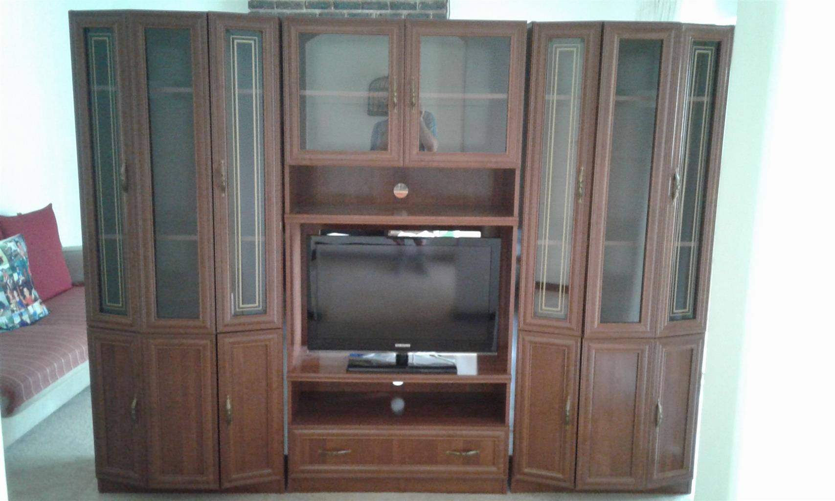 Wall unit / TV cabinet